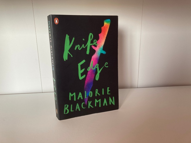 The cover of Knife Edge by Malorie Blackman