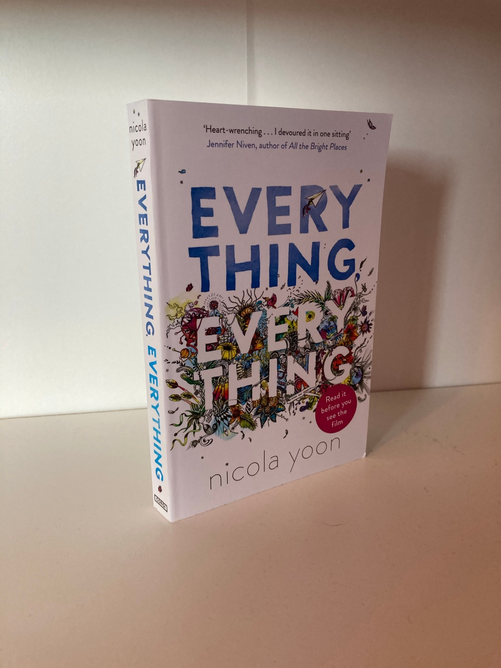 The cover of Everything, Everything by Nicola Yoon